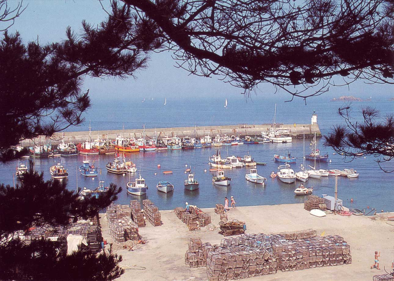 Le port Saint-Gildas de Houat, circa 1970